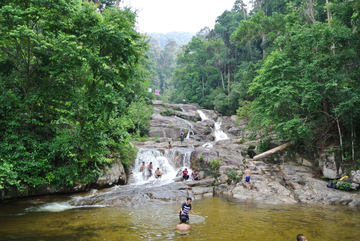 3 waterfalls near singapore myfarrahdise
